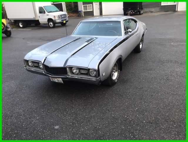 1968 Silver Oldsmobile Cutlass 1968 Oldsmobile cutless Coupe with Black interior