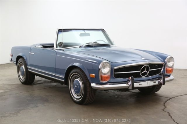 1968 Mercedes-Benz 200-Series Pagoda with 2 tops