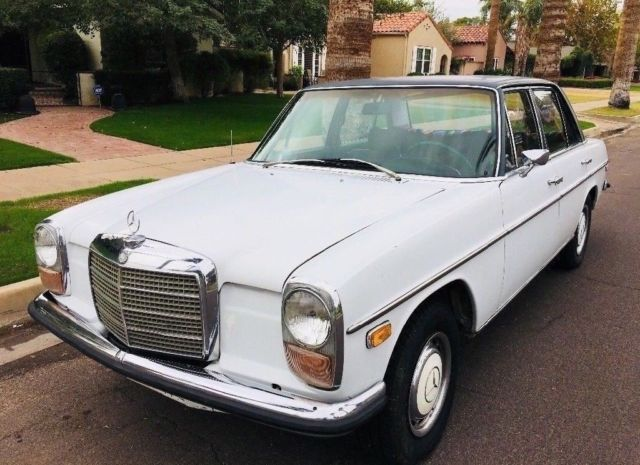 1969 Mercedes-Benz 200-Series 230
