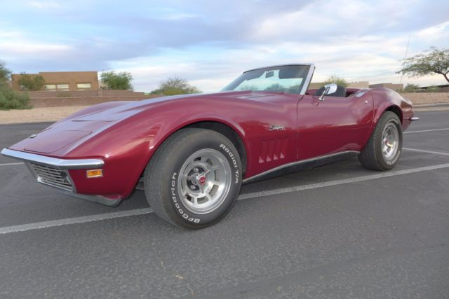 1969 Maroon Chevrolet Corvette with Black interior