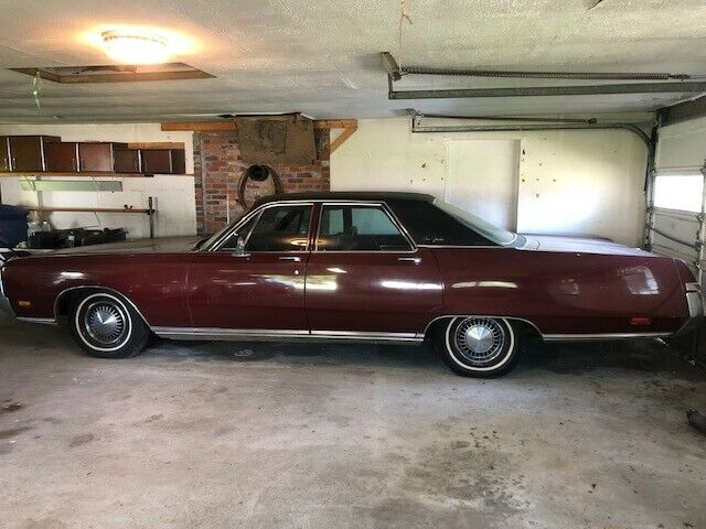 1969 Chrysler New Yorker Sedan