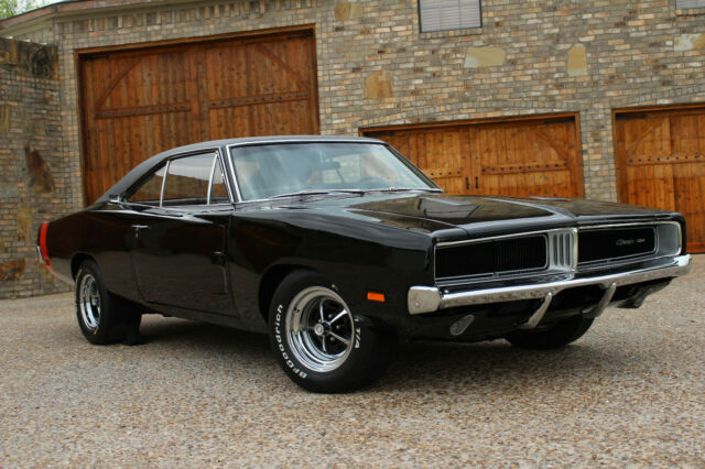 1969 DODGE CHARGER 440 4 SPEED 8 3/4 DAKOTA VHX GUAGES DISC BRAKES