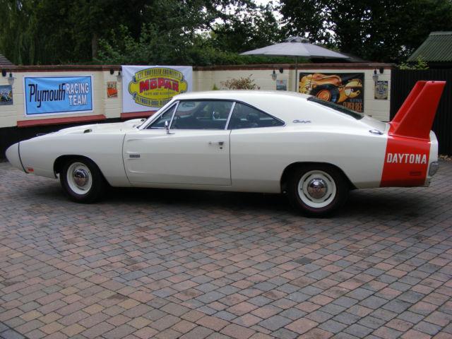 1969 Dodge Charger Daytona RT  518 Street Hemi Engine built by