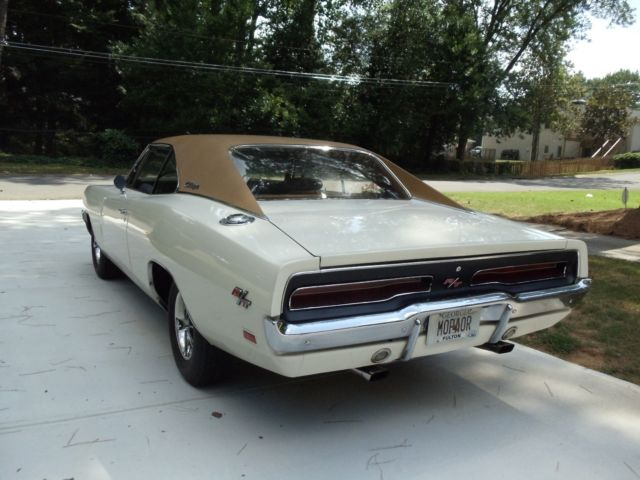 1969 dodge charger rt 440 4 speed nos matching rare color combo 3 owners documnt for sale. Black Bedroom Furniture Sets. Home Design Ideas