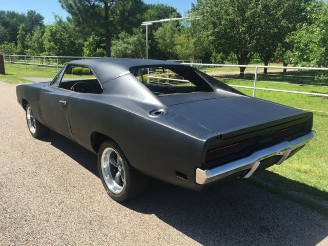 1969 dodge charger r t original 440 4 speed dana 60 car for sale photos technical. Black Bedroom Furniture Sets. Home Design Ideas