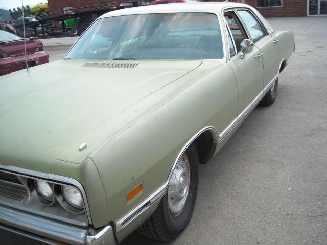1969 DODGE MONACO**** green 4 door--383 4bl--automatic for