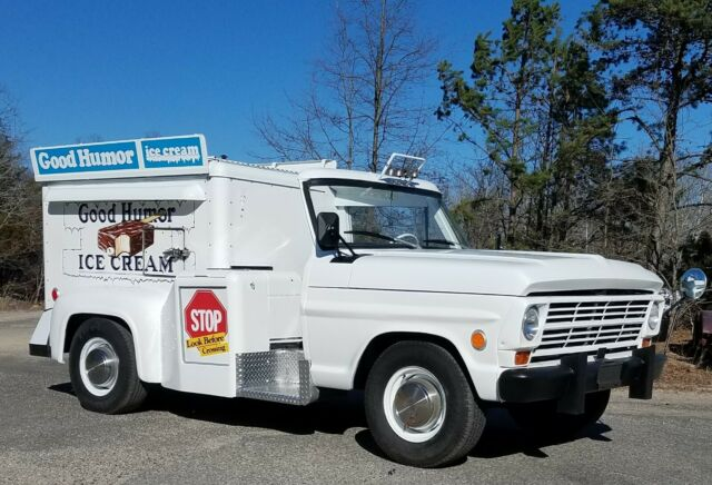 1969 Ford F-250 Good Humor Ice cream truck up