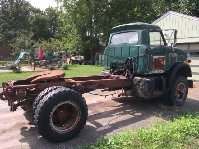1969 Ford N1000 Vintage Semi Truck Tractor 534 Big Block Air