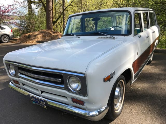 1969 International Harvester Travelall 1000 D 2WD - Tow Pkg
