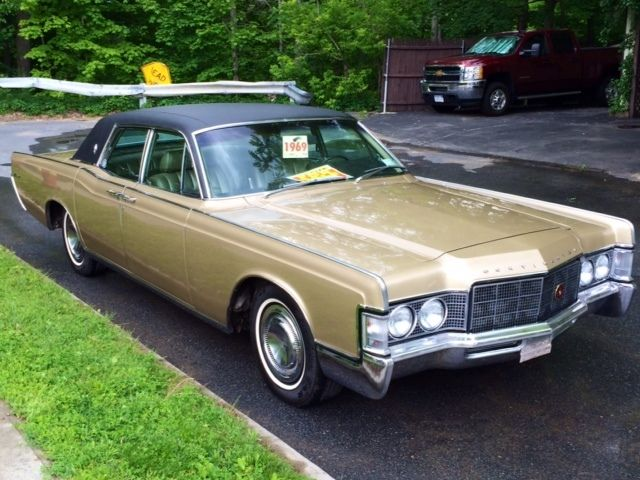 1969 lincoln continental classic suicide door 4dr sedan rare gold gold for sale photos. Black Bedroom Furniture Sets. Home Design Ideas