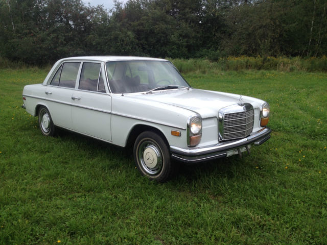 1969 Mercedes-Benz 200-Series 250