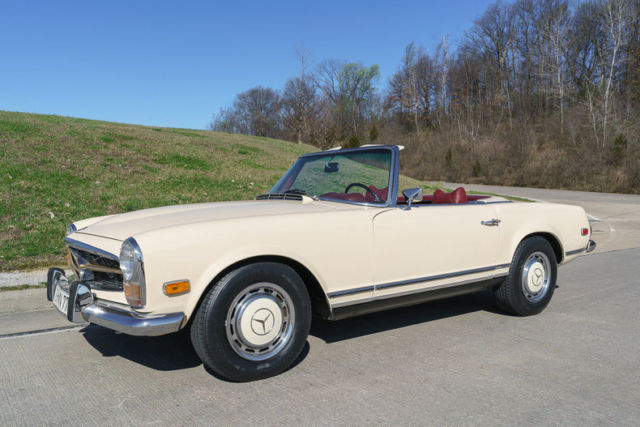 1969 Mercedes-Benz 280SL 2 Tops