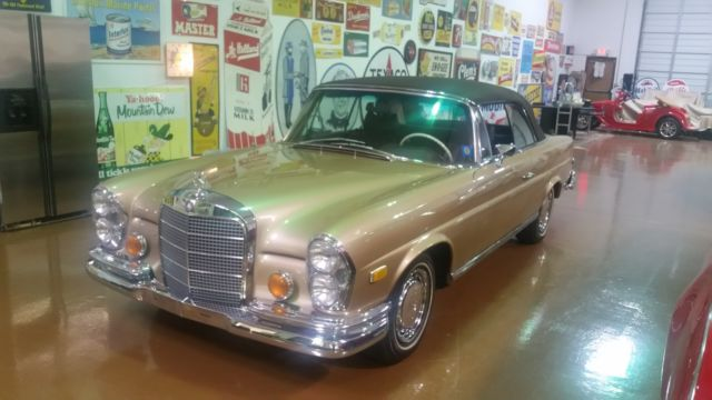 1969 Mercedes-Benz 280 SE ConvertIble SE