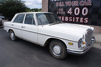 1969 Mercedes-Benz 200-Series Sedan