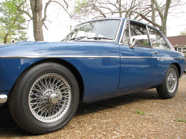 1969 MGC GT Fastback with Automatic GearBox for sale: photos