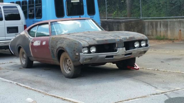 1969 Olds Cutlass S Holiday Hardtop for sale: photos