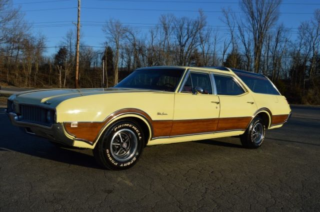 1969 Oldsmobile Custom Cruiser
