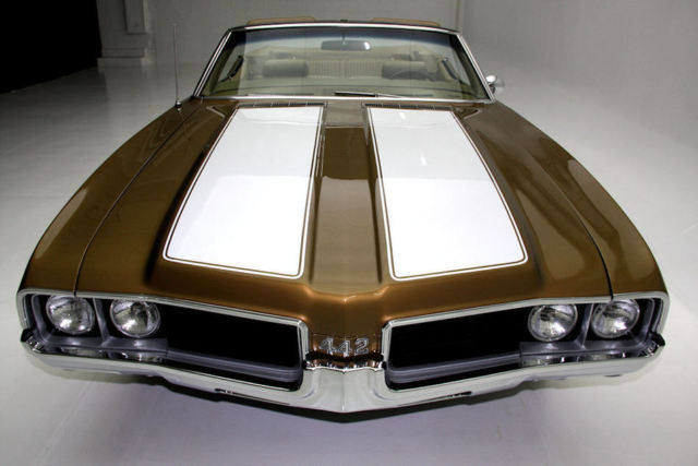 1969 Oldsmobile 442 Gold
