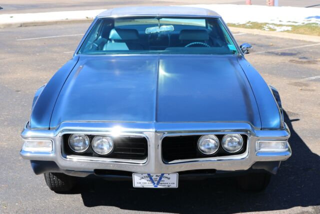 1969 Blue Oldsmobile Toronado 2 Door with Blue interior