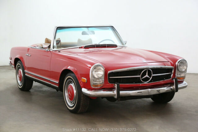 1969 Mercedes-Benz 200-Series Pagoda