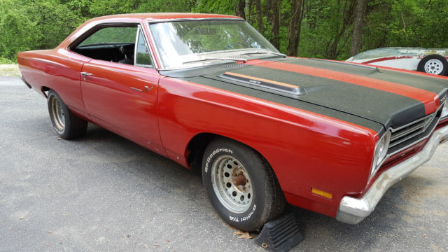 1969 Plymouth Road Runner Base road runner