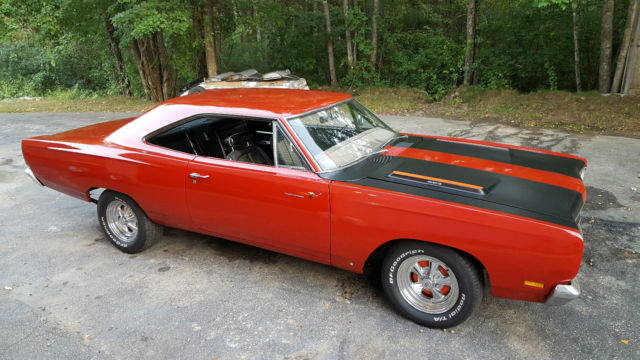 1969 Plymouth Road Runner bucket seats 4 speed stick shift