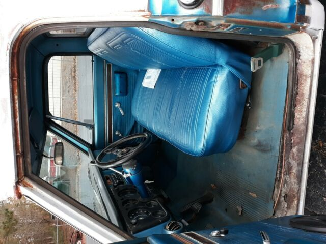 1970 Blue Chevrolet C-10 Standard Cab Pickup with Blue interior