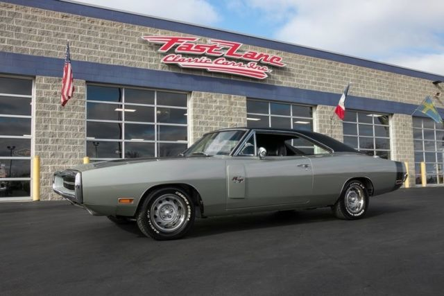1970 Dodge Charger R/T Free Shipping Until January 1