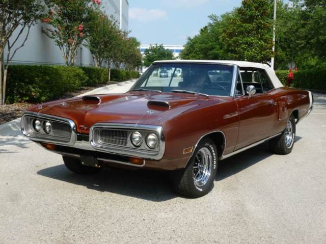 1970 Dodge Coronet R/T trim added