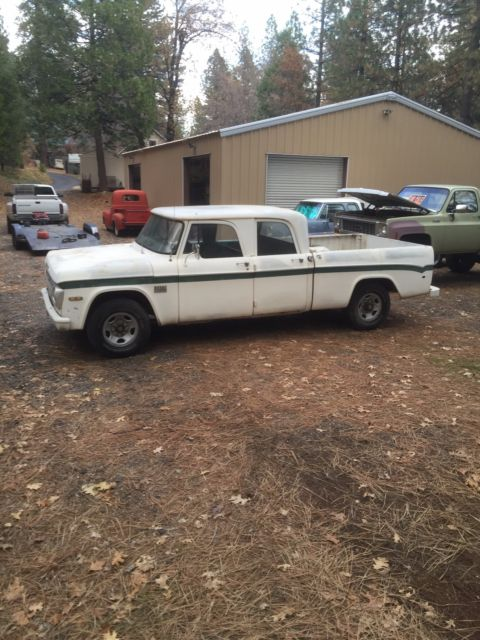 1970 dodge d200 shortbed crew cab sweptlin for sale photos technical specifications description. Black Bedroom Furniture Sets. Home Design Ideas