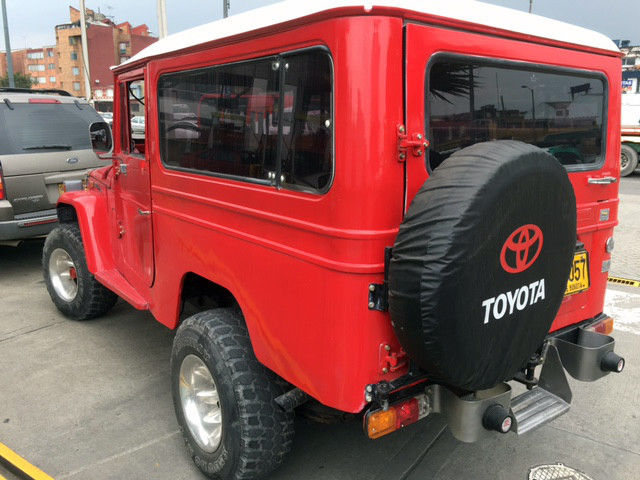 1970 Toyota Land Cruiser Red
