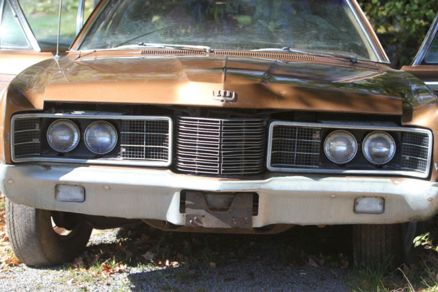 1970 Ford LTD Country Squire woody