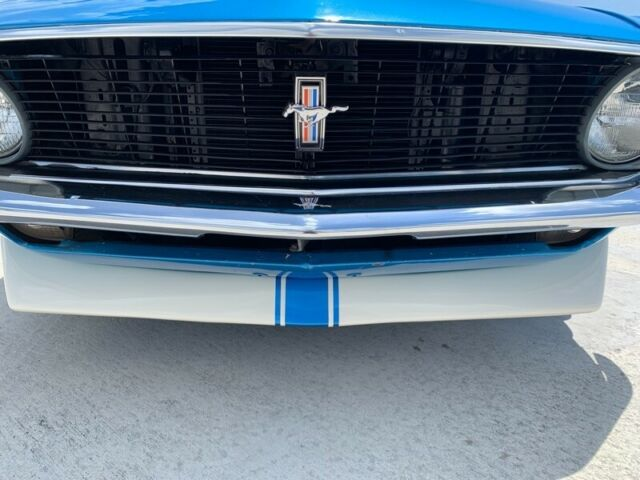 1970 Blue Ford Mustang 2dr Conv -- with White interior