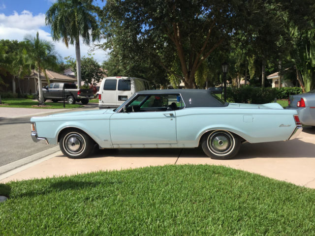 1970 Blue Lincoln Continental Continental Mark 3 Coupe with Blue interior