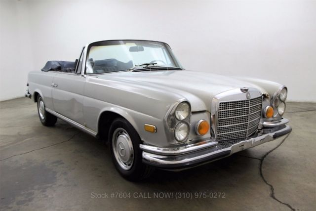 1970 Mercedes-Benz 200-Series Low Grille Cabriolet