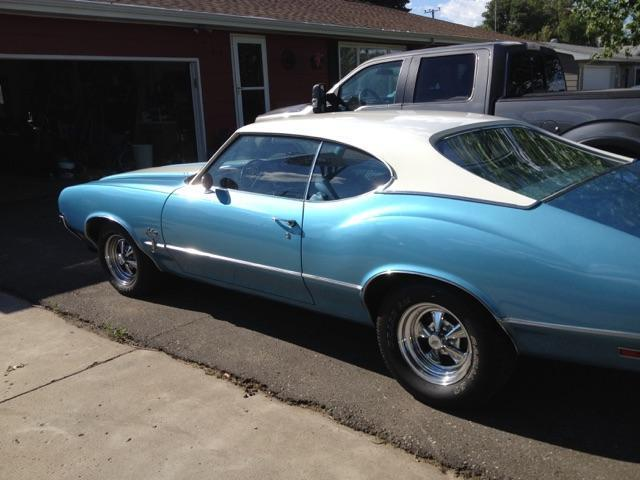 1970 Oldsmobile Cutlass Cutlass S Holiday Coupe