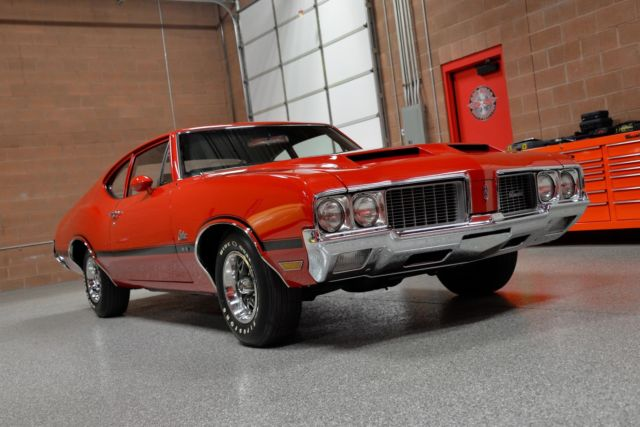 1970 Oldsmobile Cutlass S Sports Coupe W31
