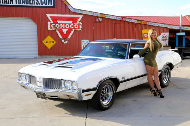 1970 Oldsmobile Cutlass 442 Classic White 455 V8 Automatic
