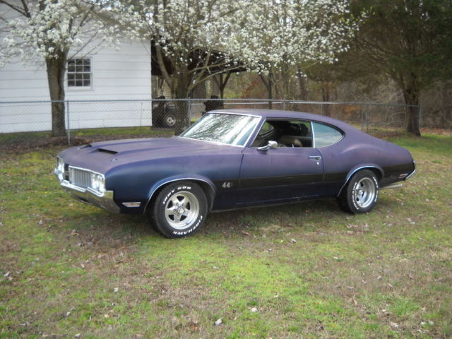 1970 Oldsmobile Cutlass make a 442 clone W30 or Hurst Olds 350