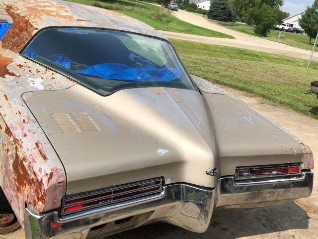 1971 Buick Riviera GS Boat Tail original engine and