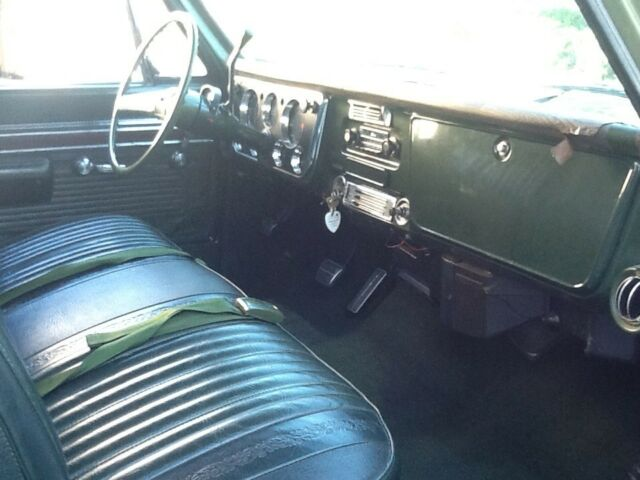 1971 Green Chevrolet C-10 with Green interior