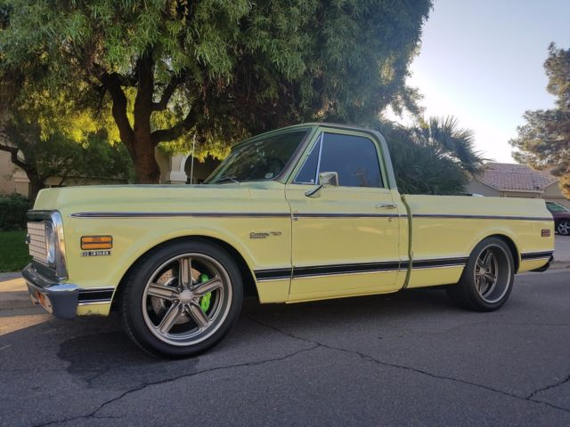 1971 Yellow Chevrolet C-10 Pickup Truck with Saddle interior