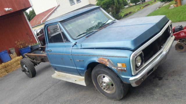 1971 Blue Chevrolet C-10 C20 Standard Cab Pickup with Blue interior