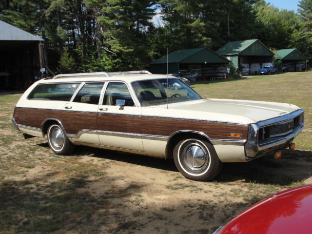 1971 Chrysler Town & Country