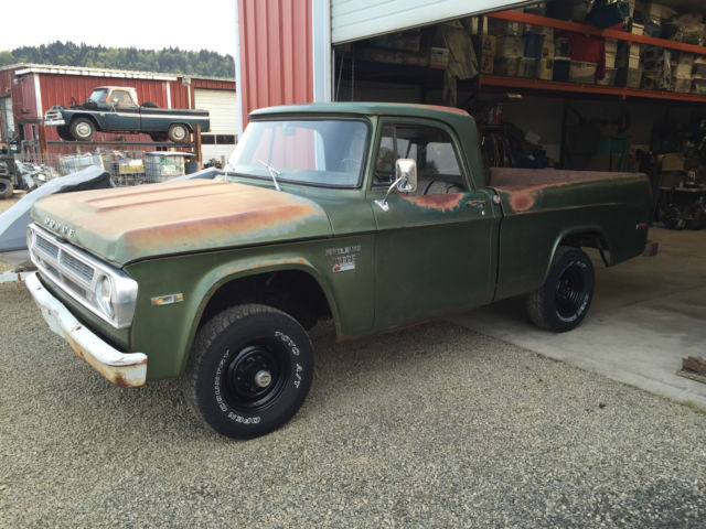 1971 Dodge Power Wagon Sweptline