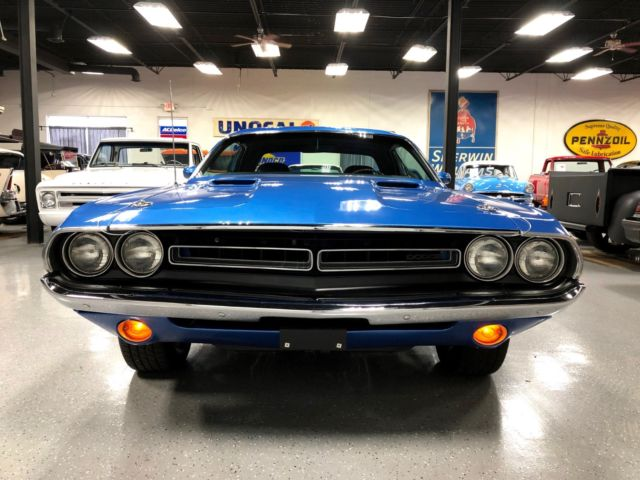 1971 Blue Dodge Challenger R/T Coupe with Black interior