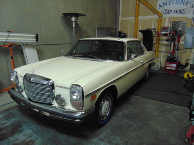 1971 Mercedes-Benz 200-Series base coupe 2-door