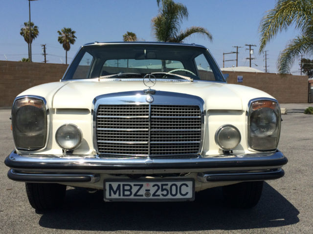 1971 Mercedes-Benz 200-Series Touring Coupe