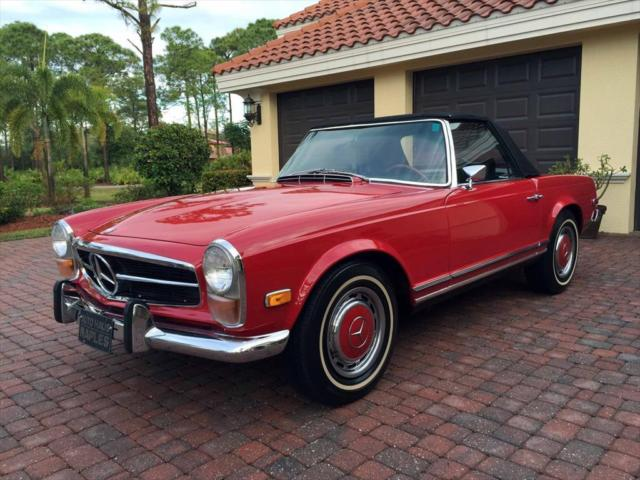 1971 Red Mercedes-Benz SL-Class 280SL Convertible Pagoda Roadster Convertible with Black interior
