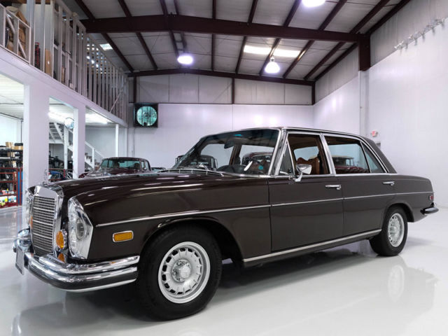 1971 Mercedes-Benz 300-Series 300SEL Sedan, TOP-OF-THE-LINE MODEL!